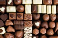 Make Chocolates and Chocolate Cake in Home